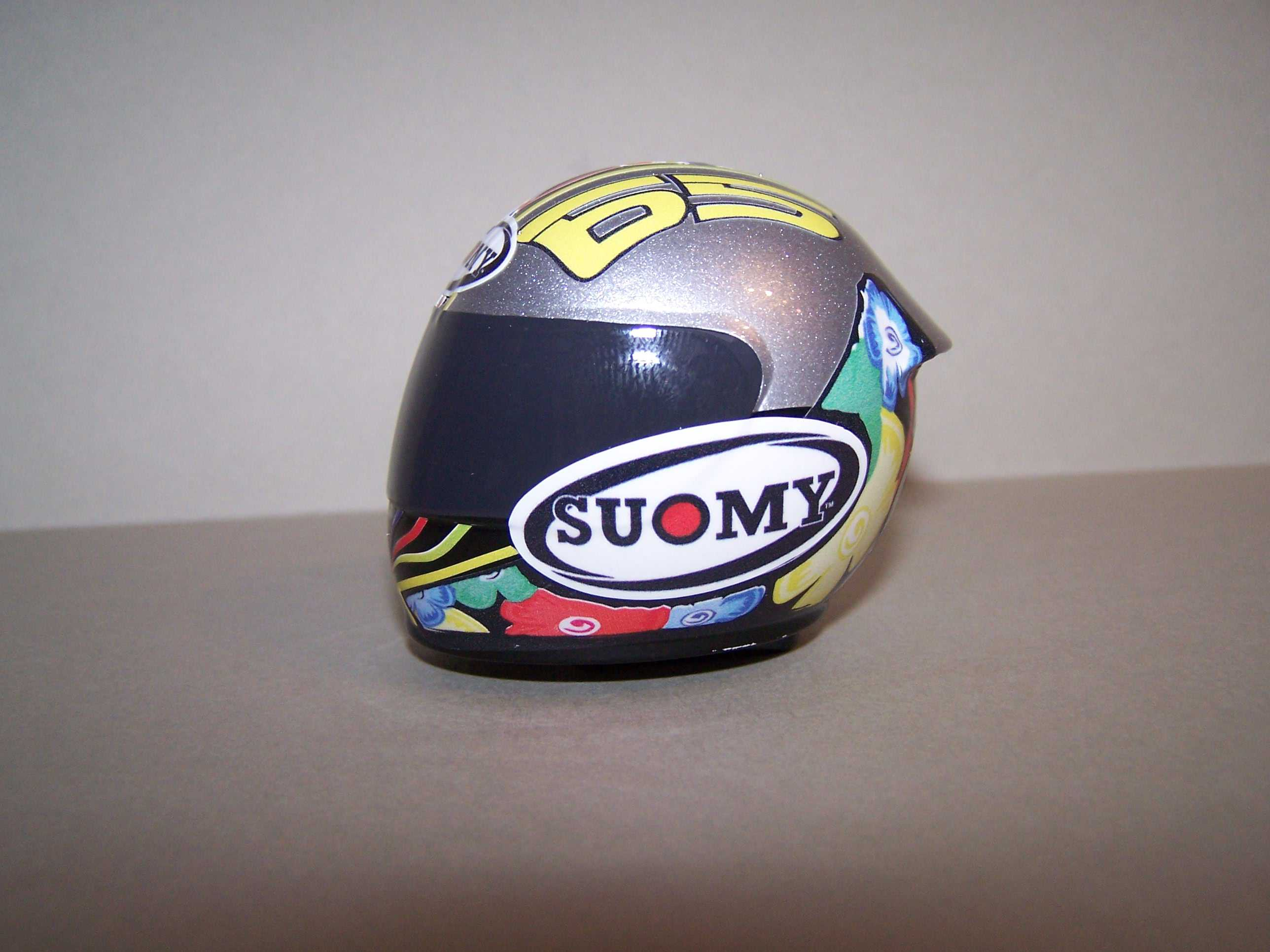 [Helm-Capirossi-Pramac-Ducati-2.jpg]