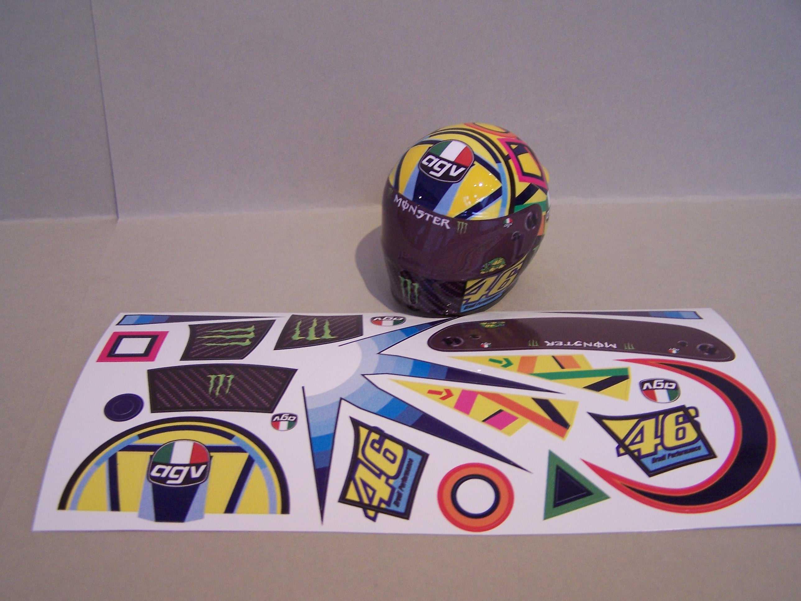 [Decal-Helm-Rossi-Yamaha-M1-Jerez-2017.jpg]