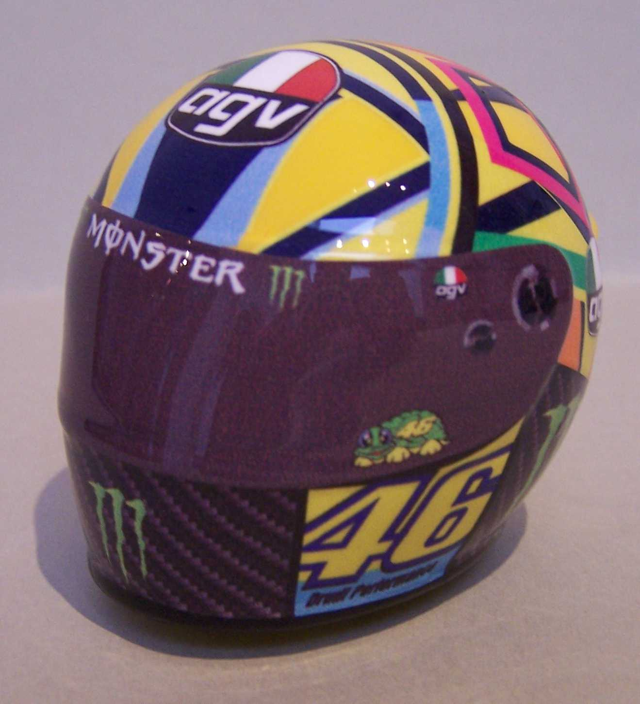 [Helm-Rossi-Yamaha-M1-Jerez-2017.jpg]