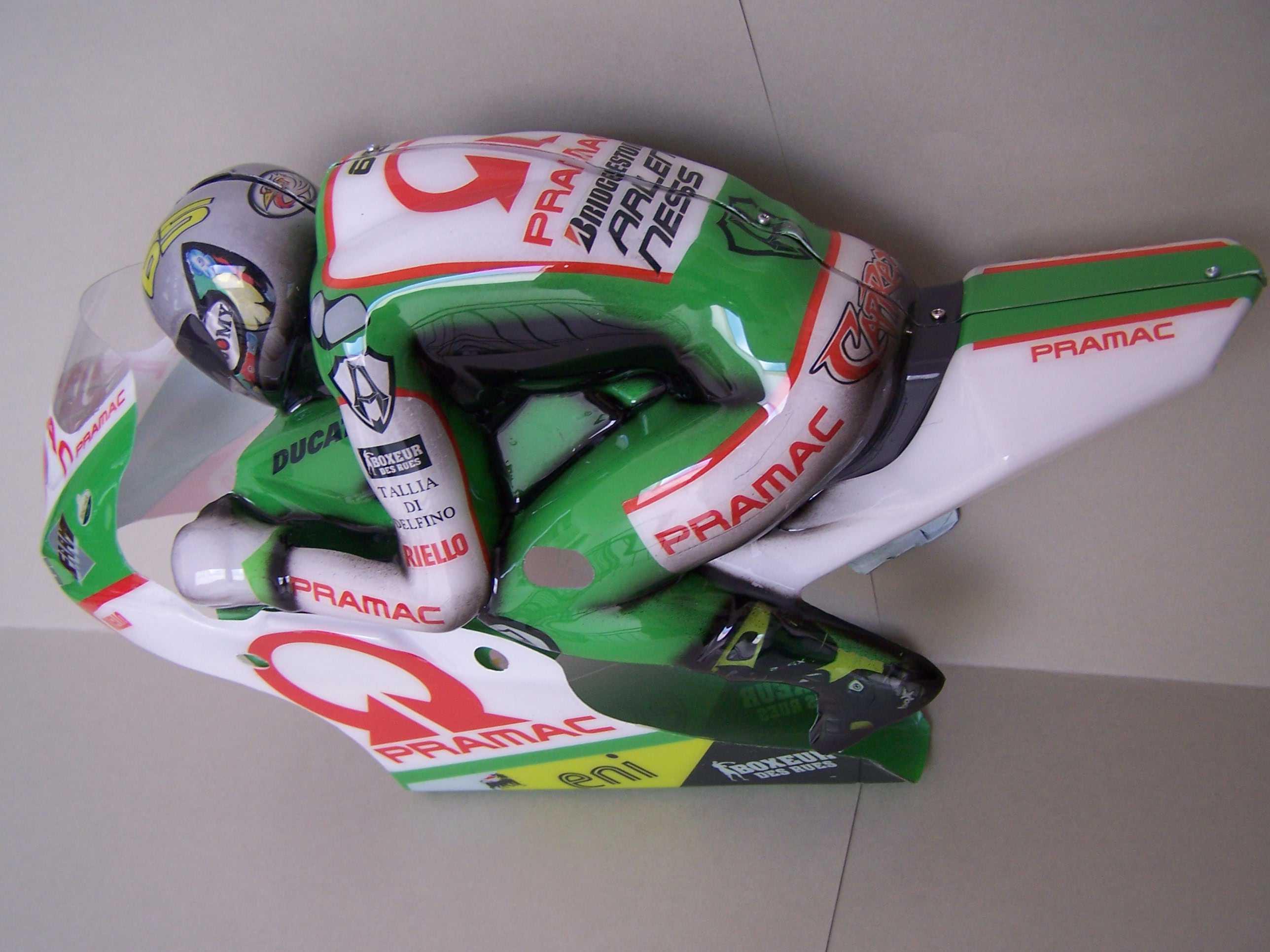 [Pramac-Ducati-Capirossi.jpgru_.jpg1_.jpg]