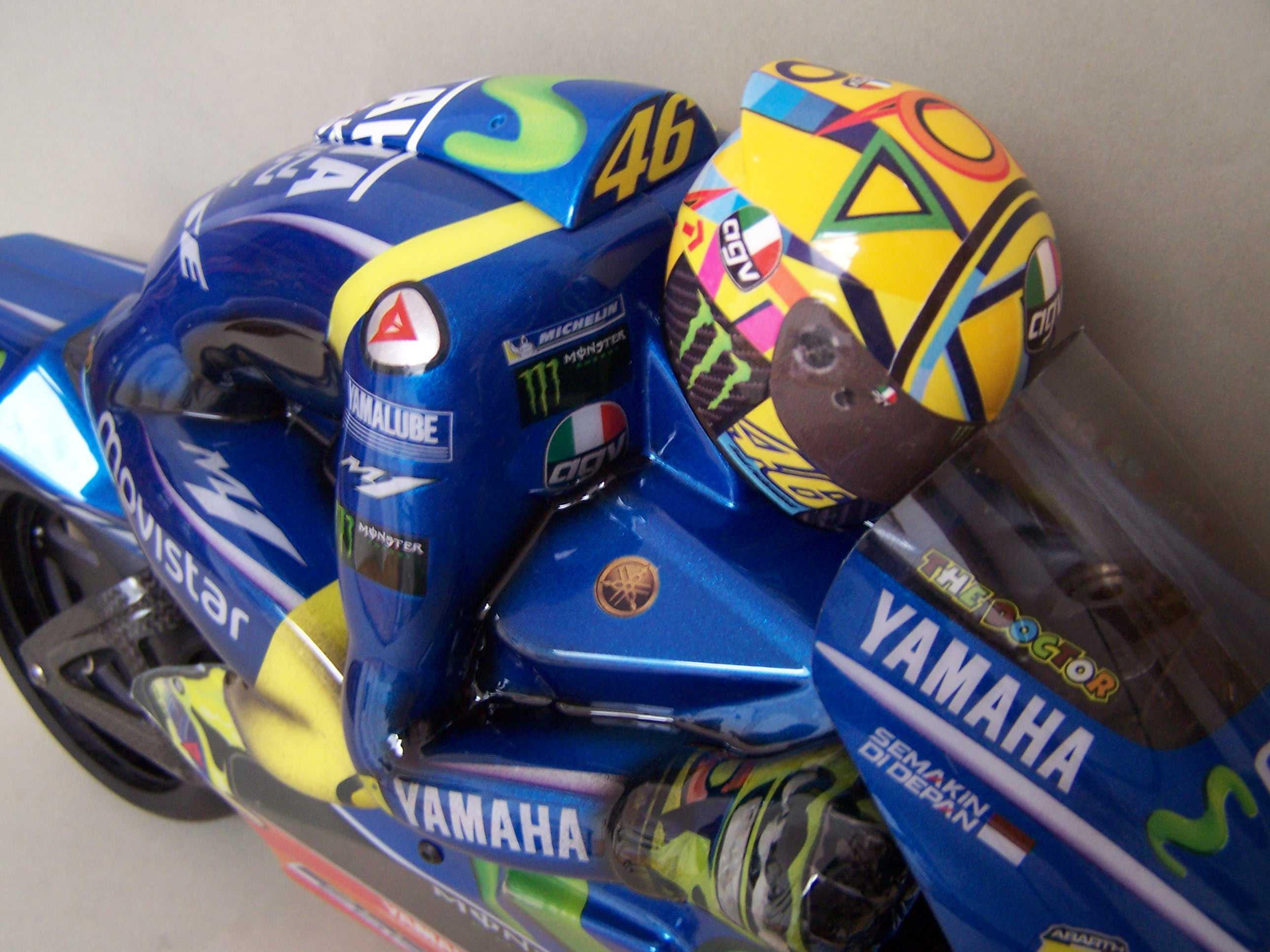 [Rossi-Yamaha-M1-Jerez-2017.jpg4_.jpg]
