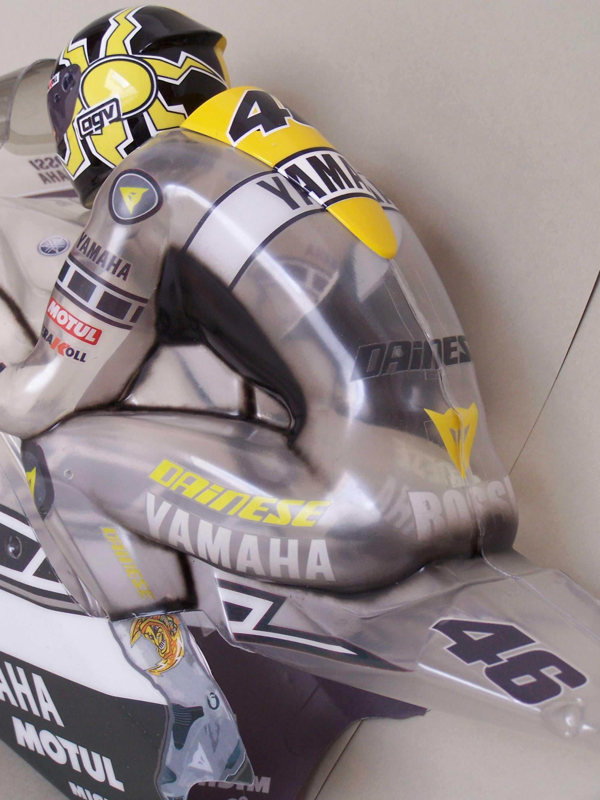 [Yamaha-Rossi-Laguna-Seca-2005-1.jpg]