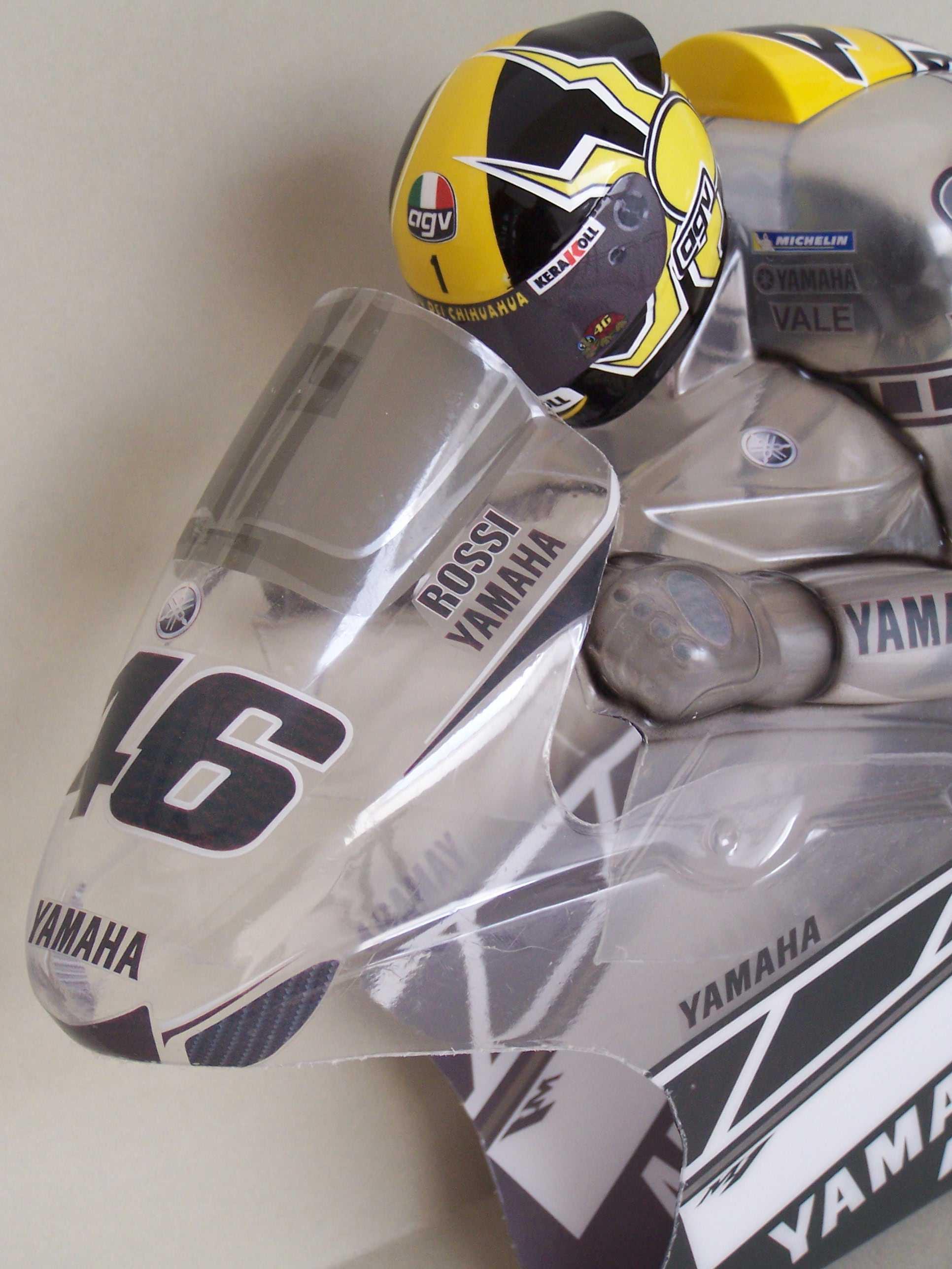 [Yamaha-Rossi-Laguna-Seca-2005-2.jpg]