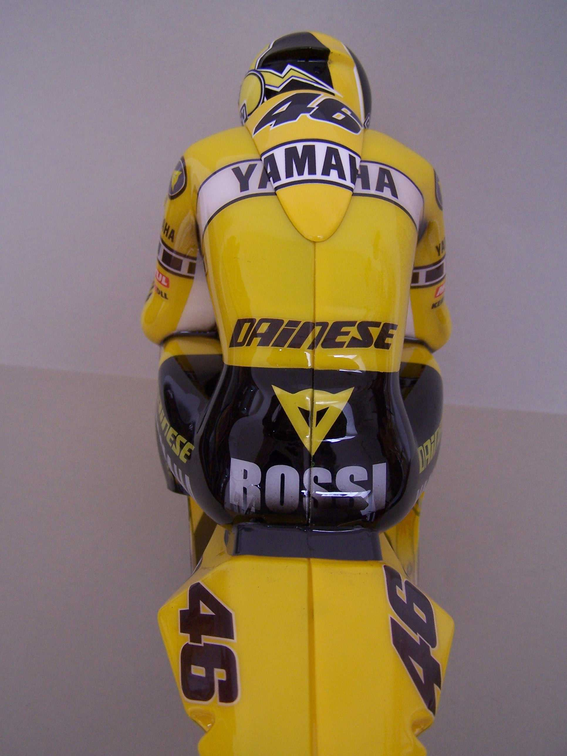 [Yamaha-Rossi-Laguna-Seca-2005-6.jpg]