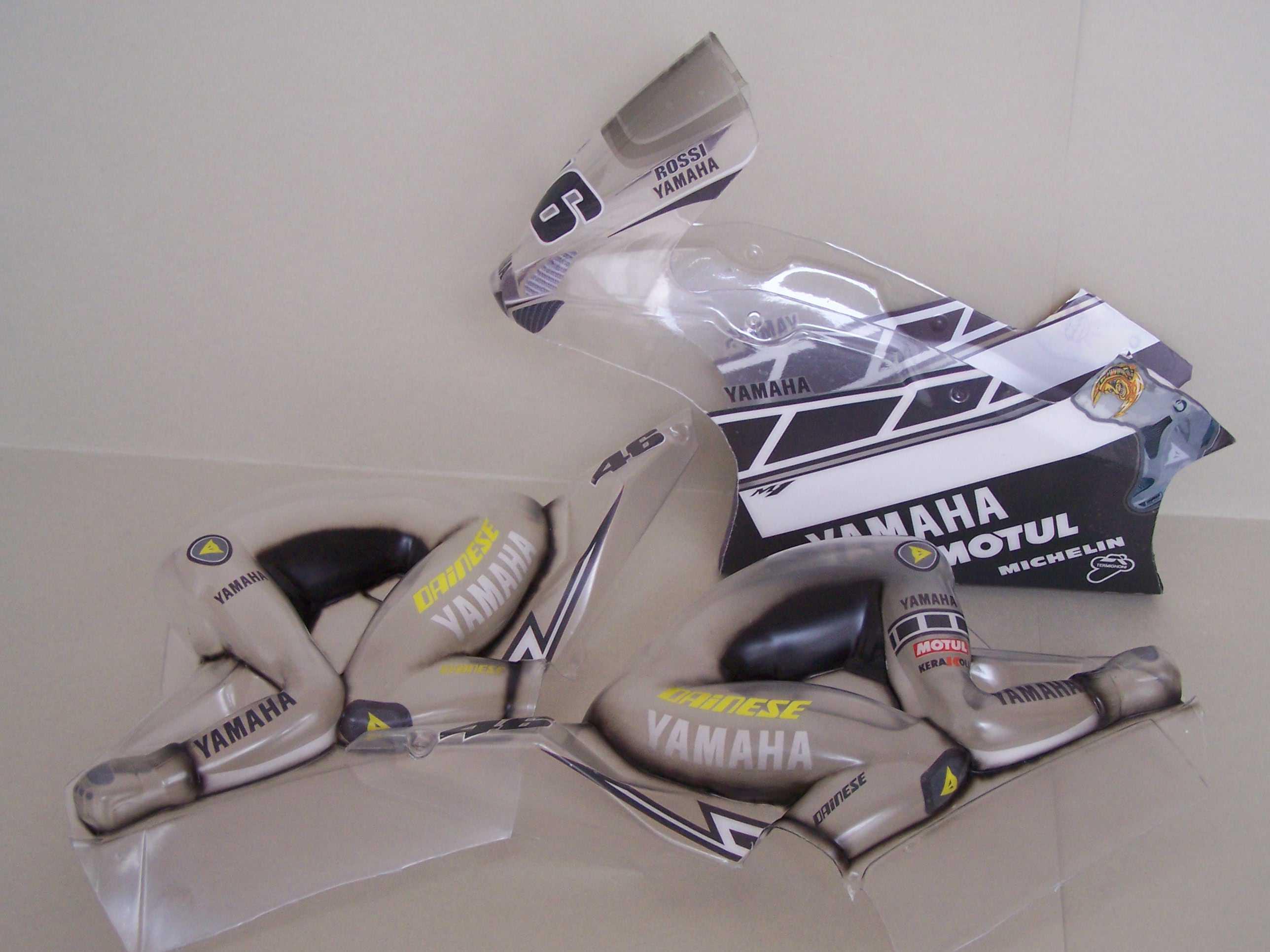[Yamaha-Rossi-Laguna-Seca-2005.jpg]
