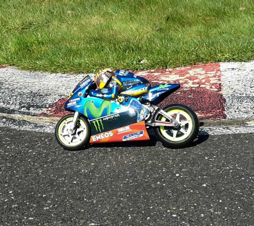 [Christian-Schwarz-Rossi-Yamaha-Jerez-2017-1.jpg]