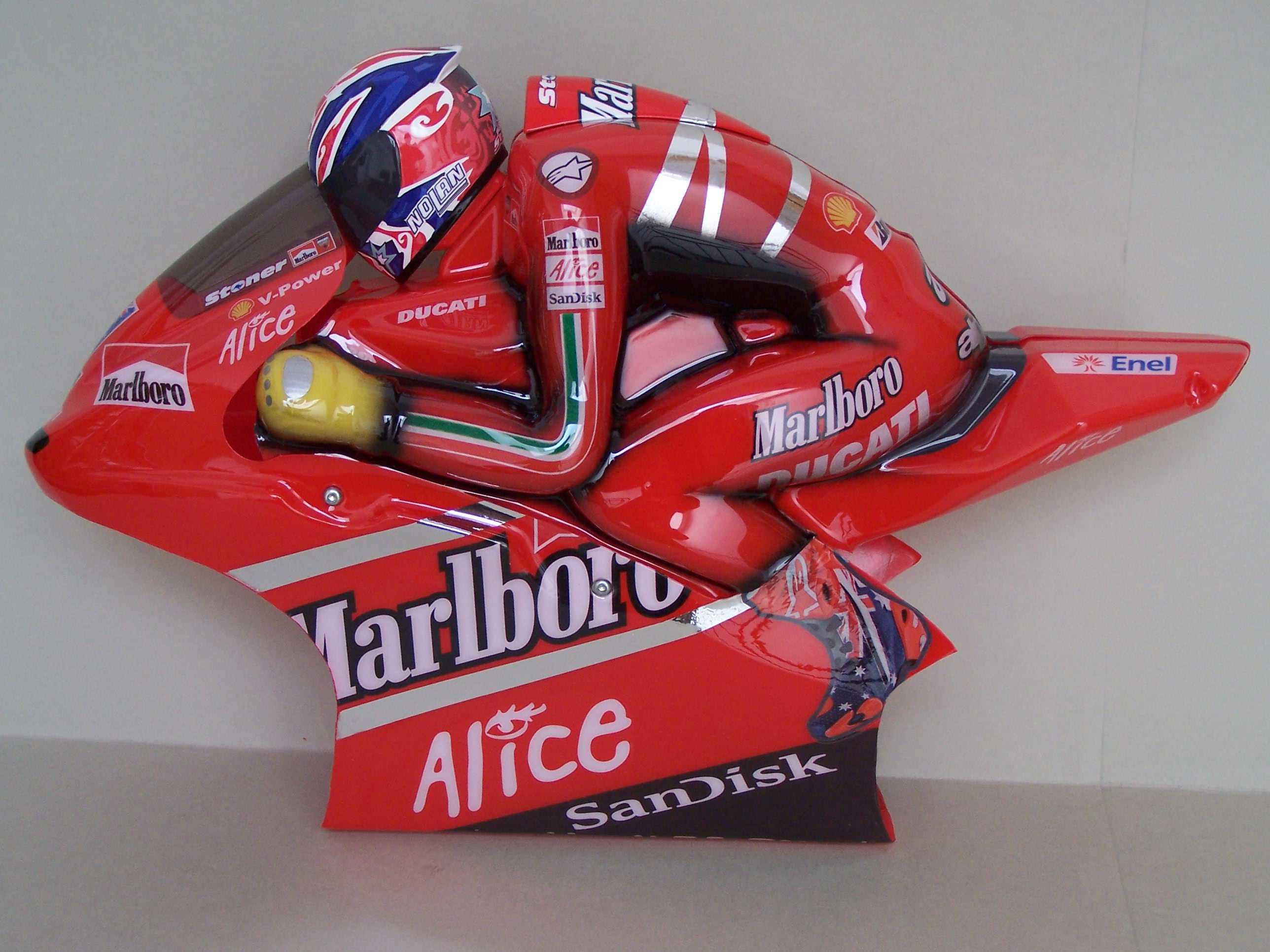 [Marlboro-Ducati-Stoner-2008-15.jpg]