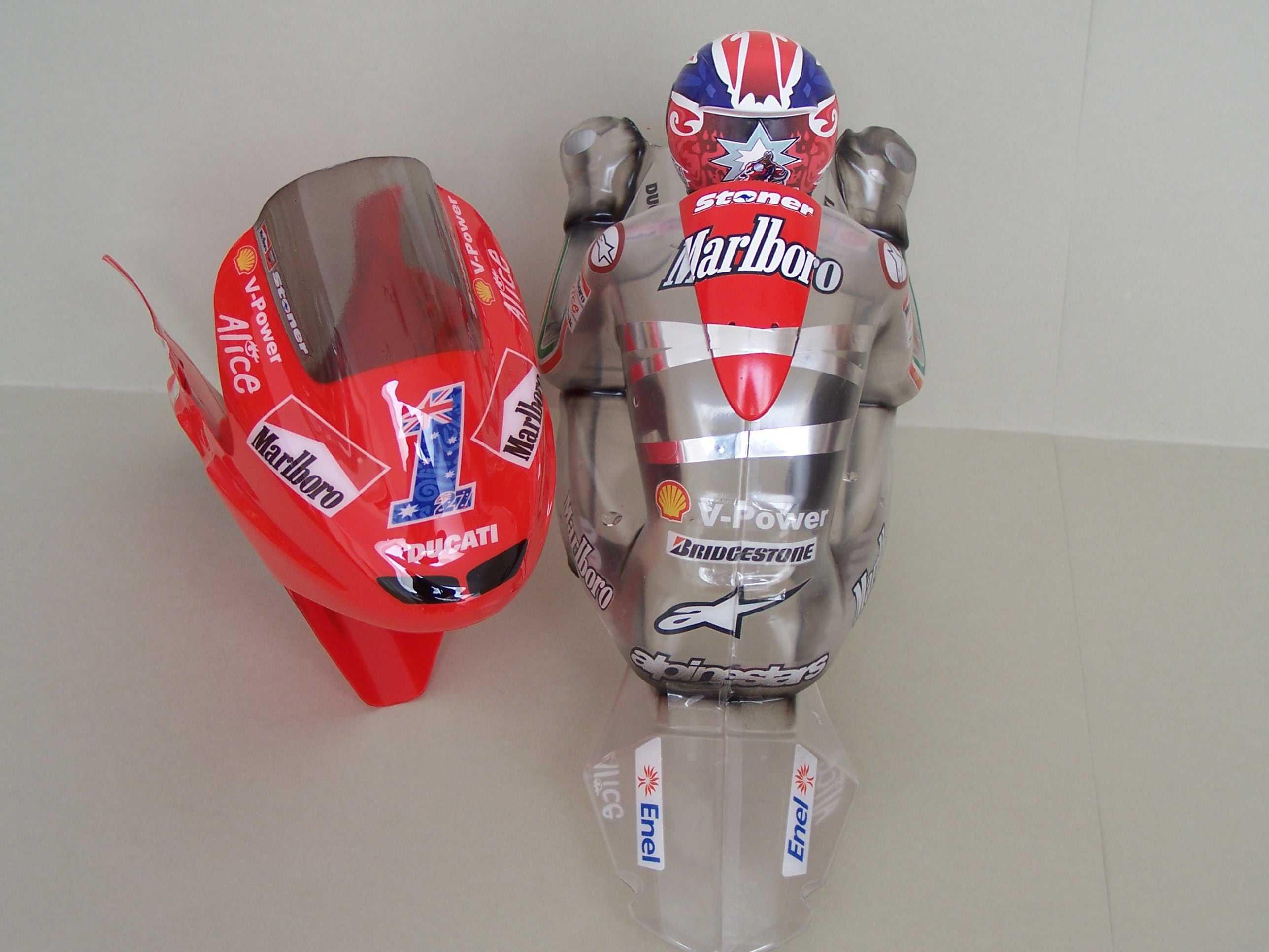 [Marlboro-Ducati-Stoner-2008-2.jpg]